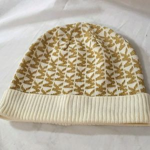 Knit hat by michael Kors. Nwot!
